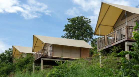 Though LAK Tented C& does not feature connecting rooms with this arrangement families with kids still feel safe as they stay nearby each other. & Lakeview Tented Lodge TWN | LAK Tented Camp